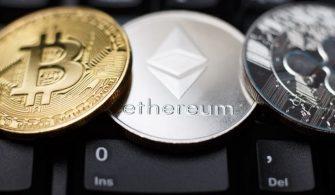 Bitcoin ve Ethereum Yükselişte, XRP Kan Kaybediyor